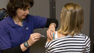 vaccinatie, vaccineren, coronavaccin, inenten