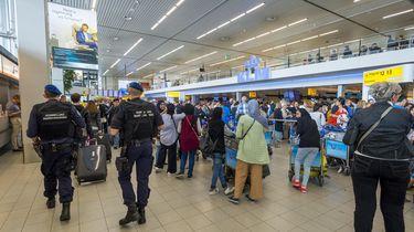 Schiphol blijft komende tijd extra beveiligd