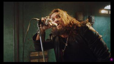 Jason Momoa in nieuwe video Ozzy Osbourne