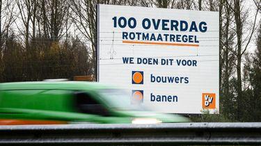 Een bord van de VVD langs de A12 bij Zoetermeer.