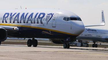 Ryanair vliegtuig verliest wiel, maakt noodlanding