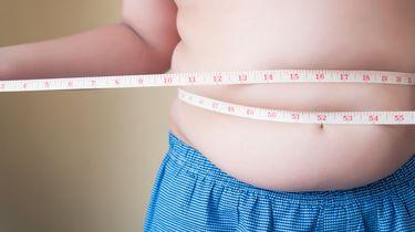 foto van een man met overgewicht
