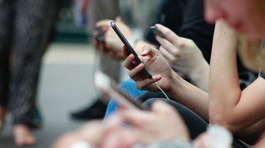 Vanaf vandaag kun je whatsapp-groepsgesprekken weigeren.