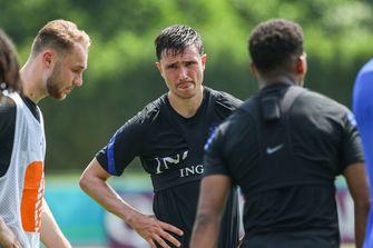 Kuyt zou nooit bij Ajax kunnen voetballen als Feyenoorder: 'Al kreeg ik al het geld van de wereld'