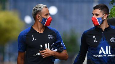 Keylor Navas (L) Mauro Icardi (R) voor een training in voorbereiding op de Champions League.