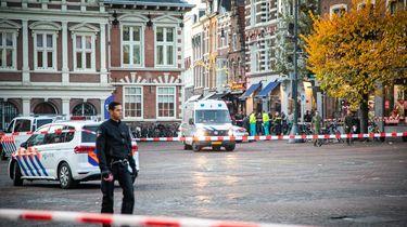 Het stadhuis in Haarlem wordt ontruimd vanwege een verdacht voorwerp op de trap voor het gebouw aan de Grote Markt.