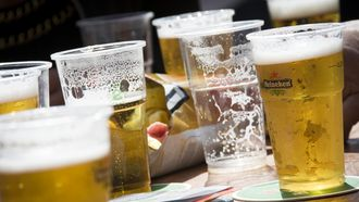 Alcohol blijkt altijd slecht te zijn voor je hersenen, blijkt uit nieuw onderzoek. Ook bij een glaasje