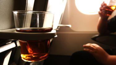 TUI pleit voor alcohol- en drugstest voordat je het vliegtuig instapt