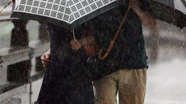 Japan maakt zich op voor zwaarste storm in 60 jaar
