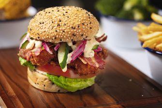Een foto van de hamburger van André Hazes