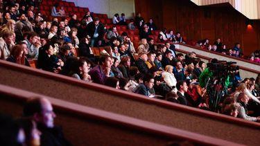 Eindelijk een volle zaal: honderden bezoekers naar proefevenement