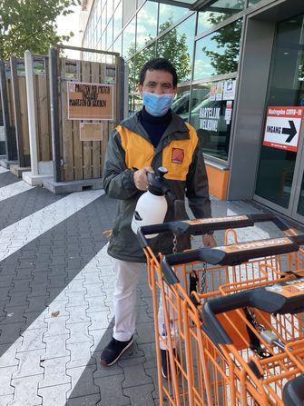 Foto van winkelwagenmedewerker Youssef