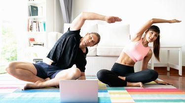 Fit én thuis blijven? 5 fijne work-out video's voor in de huiskamer
