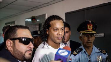 Ronaldinho heeft nacht in Paraguayaanse cel geslapen