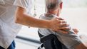 Instellingen in de gehandicaptenzorg dreigen in de problemen te komen door het tekort aan testcapaciteit voor zorgmedewerkers.
