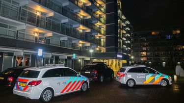 Politieagenten zijn een woning binnengevallen in Vianen. De inval heeft mogelijk te maken met het onderzoek naar Ridouan T., die lange tijd woonde in de stad.