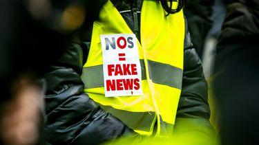 Politie hing fake news spandoek op, zegt sorry