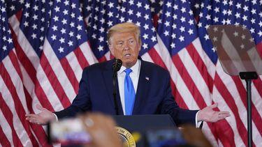 Een foto van een speech van Trump op Elections Day