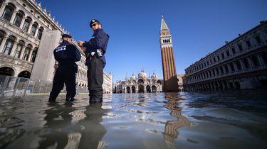 Burgemeester Venetië sluit San Marcoplein