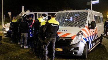 De politie verricht een aanhouding in Duindorp.