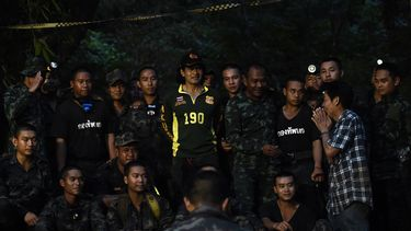 Thaise tieners mogelijk nog maanden vast in grot