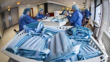 Eerste 700.000 extra mondkapjes uit China in Nederland aangekomen