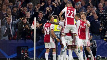 Ajax flitsend van start in Champions League
