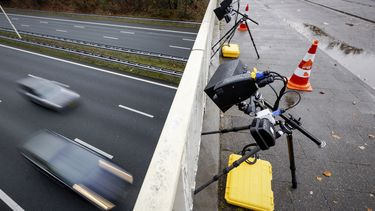 Een foto van een flitser die leidt tot vele verkeersboetes