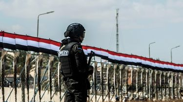 Bermbom ontploft bij toeristenbus in Caïro