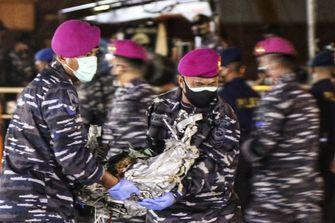 Gambar petugas penyelamat di Indonesia