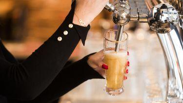 Gersttekort door droogte, dus biertje wordt duurder