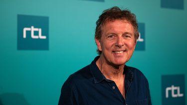 Op deze foto is Robert ten Brink gezien, presentator van het programma Bankgiro Miljonairs.