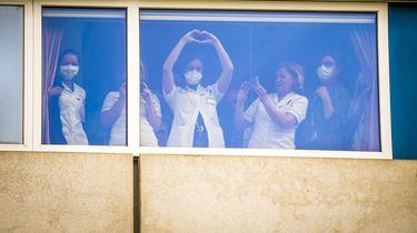 RIVM: Coronabesmettingen onder zorgverleners neemt flink af