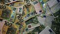 geld, miljonair, gewone baan