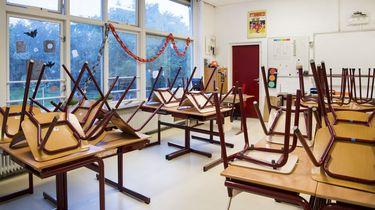 Leeg klaslokaal op basisschool De Wieken in Nijmegen. Leraren van het basisonderwijs staken in 2017 omdat zij ontevreden zijn over hun te lage salaris en te hoge werkdruk. / ANP