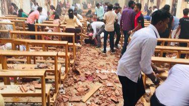 Meer dan 200 doden door explosies op Sri Lanka