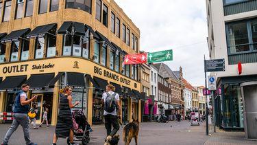 Een wildpoepende vrouw maakt Venlo al wekenlang onveilig
