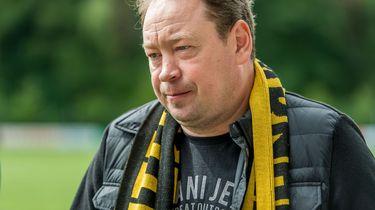 Vitesse-trainer neemt direct vijfde nederlaag op rij