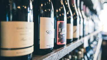 Door een goede oogst genieten van groot aanbod aan wijn.