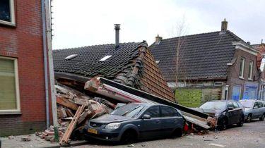 Door een explosie in Coevorden is grillroom Ali Baba ingestort.