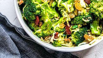 https://www.culy.nl/recepten/frisse-broccolisalade/