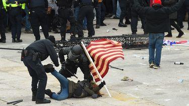 Totale chaos in Amerika: 'Dit is een aanval op de democratie'