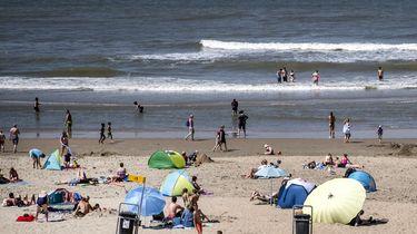 Kinderen gered die in problemen waren in zee bij Zandvoort