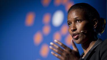 Een foto van Ayaan Hirsi Ali, een van de mensen op de lijst voor het initiatief tegen afrekencultuur.