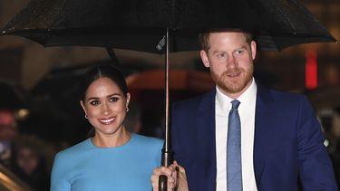 Op deze foto zijn Meghan Markle en prins Harry te zien.