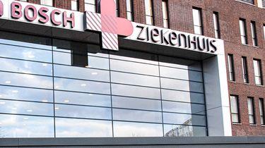 Op deze foto zie je de voorkant van het Jeroen Bosch ziekenhuis in Den Bosch