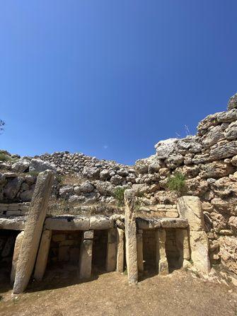 Op deze foto de tempels van Gozo