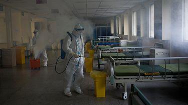 In 'coronastad' Wuhan géén besmette mensen meer in ziekenhuis
