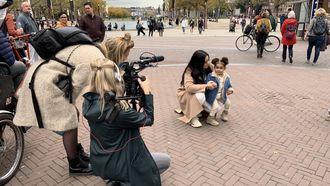 Een foto van Diana en Janne tijdens het maken van de documentaire