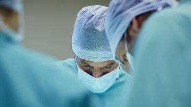Chirurgen aan het werk